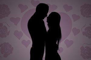 Comment savoir si un homme m'aime ? Le tarot vous aide